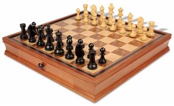 19_walnut_case_bab375_chess_set_boxwood_view_1100x670__99801.1438559091.350.250