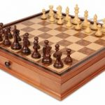 Fierce Knight Staunton Chess Set in Rosewood & Boxwood with Walnut Chess Case – 3.5″ King