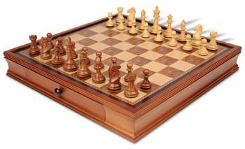 19_walnut_case_fks350_chess_set_boxwood_view_1100x670__77456.1438559113.350.250
