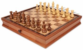 19_walnut_case_fss375_chess_set_boxwood_view_1100x670__03755.1438559118.350.250