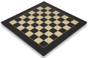 black-erable-chess-board-full-view-1100x725__70818.1430257316.350.250