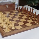 British Staunton Chess Set in Golden Rosewood & Boxwood with Walnut Chess Board & Box – 3.5″ King