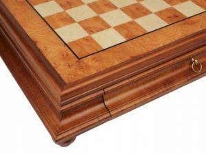 chess_case_435_elm_root_closeup_800__65389.1434566788.350.250