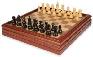 chess_set_backgammon_17_case_german_knight_ebonized_boxwood_view_1100__38544.1434141269.350.250