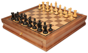 chess_sets_17_walnut_case_new_exlusive_ebonized_boxwood_view_1400x850__00479.1453495097.350.250