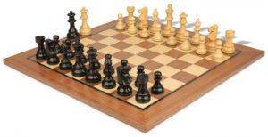 chess_sets_standard_walnut_french_lardy_ebonized_boxwood_view_1400x720__84595.1449678580.350.250