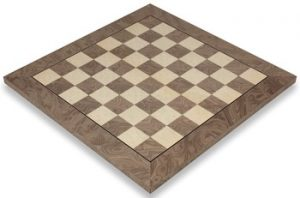 gray_erable_chess_board_full_view_1100x725__01067.1430335651.350.250