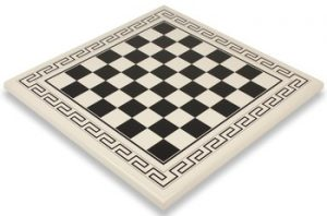 italfama_black_white_pattern_chess_board_full_view_1100x725__08098.1430335630.350.250