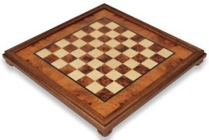 italfama_elm_framed_chess_board_full_view_1100x740__78088.1430335631.350.250