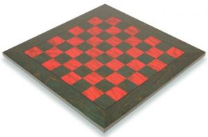 italfama_green_red_chess_board_full_view_1100x725__83537.1430335637.350.250