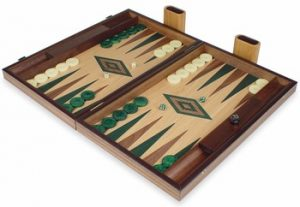 manopoulos_backgammon_set_walnut_oak_green_setup_1100__13068.1440459248.350.250