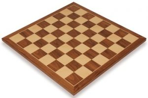 walnut_classic_chess_board_full_view_1100x725__56971.1430335672.350.250