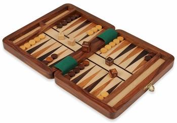 wood_travel_backgammon_set_8_setup_900x630__93696.1432935060.350.250