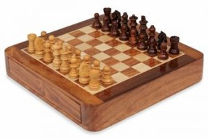 wood_travel_chess_set_7_inch_drawer_pieces_setup_900__48414.1432935074.350.250